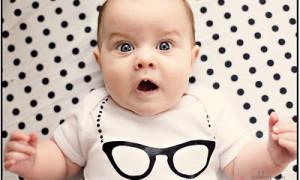 Выявить это нарушение рефракции у младенцев сложно