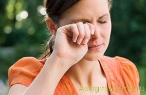 При несоблюдении требований гигиены контактная коррекция может навредить здоровью глаз